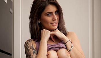 Naked Hailey Leigh Pictures