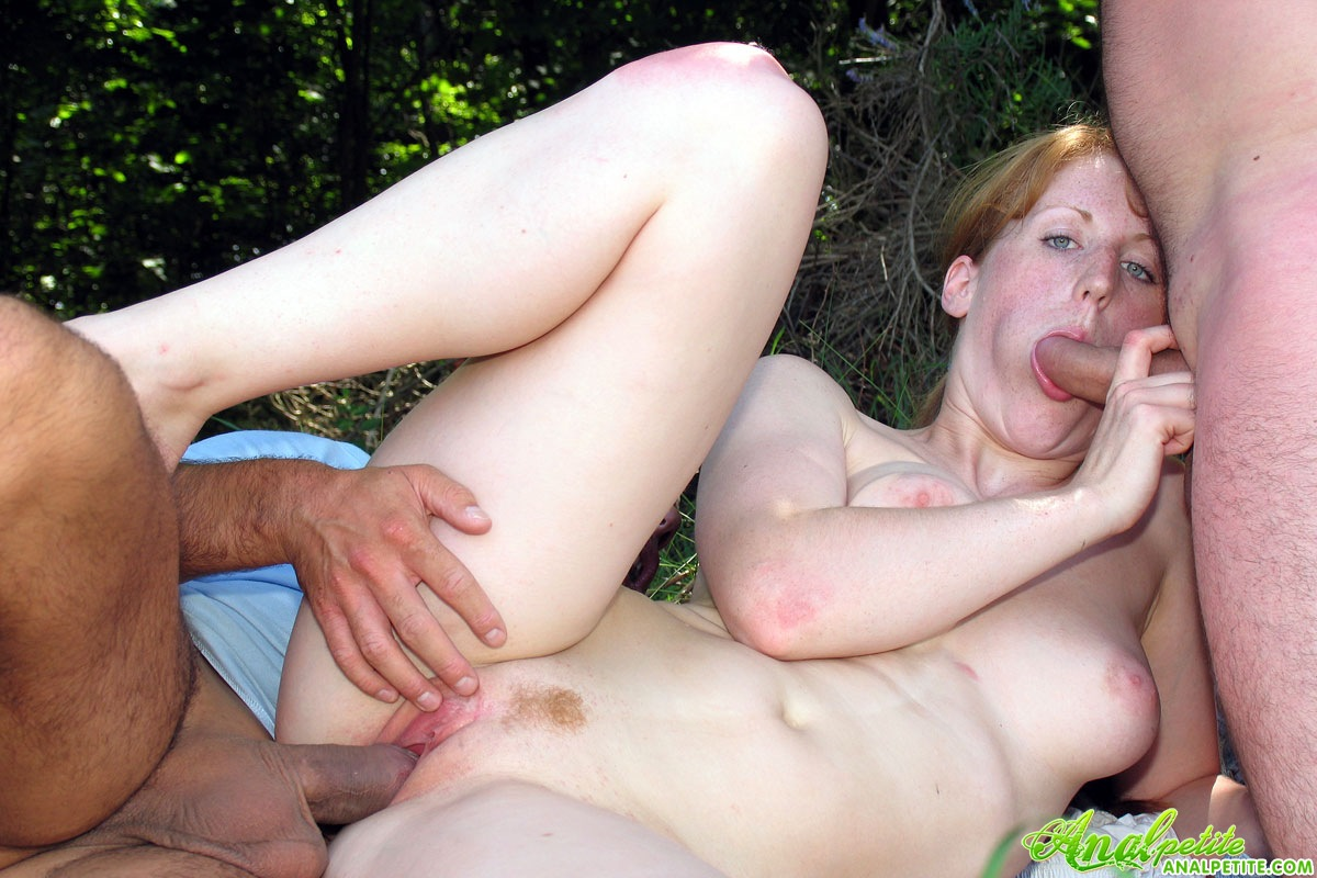 Outdoor Public Amateur Sucking And Fucking