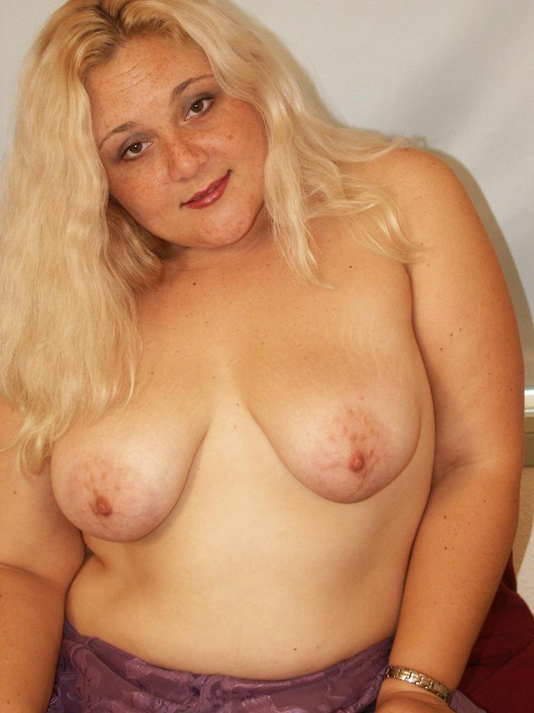 Amateur blonde chubby