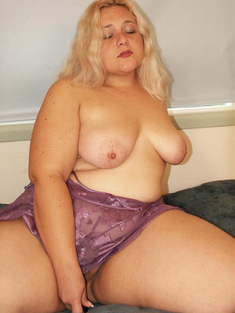 Big Fat Sluts - Blonde amateur bbw masturbation at AmateurIndex.com