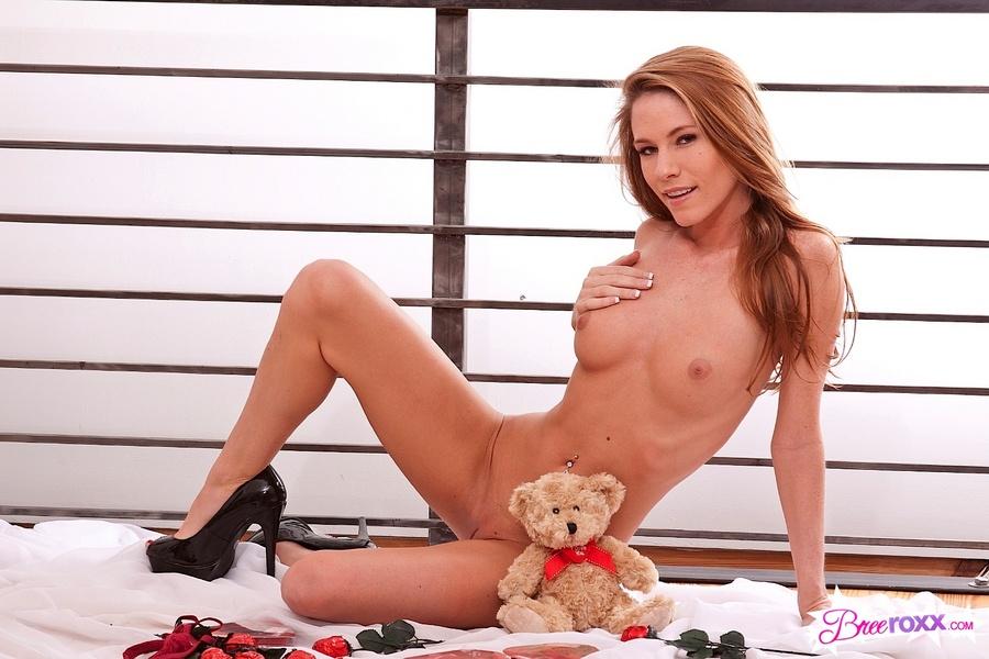 bree roxx naked redhead