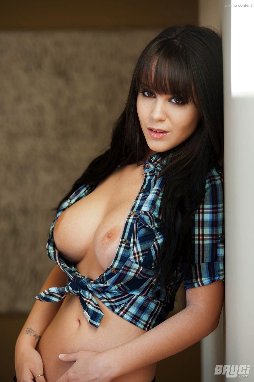 Bryci - Bryci Busty Strip Tease at AmateurIndex.com