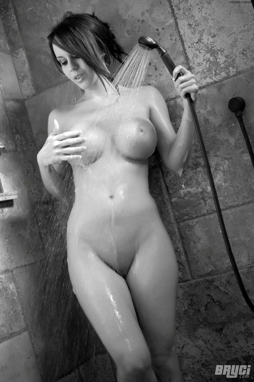 nude girls reality tv