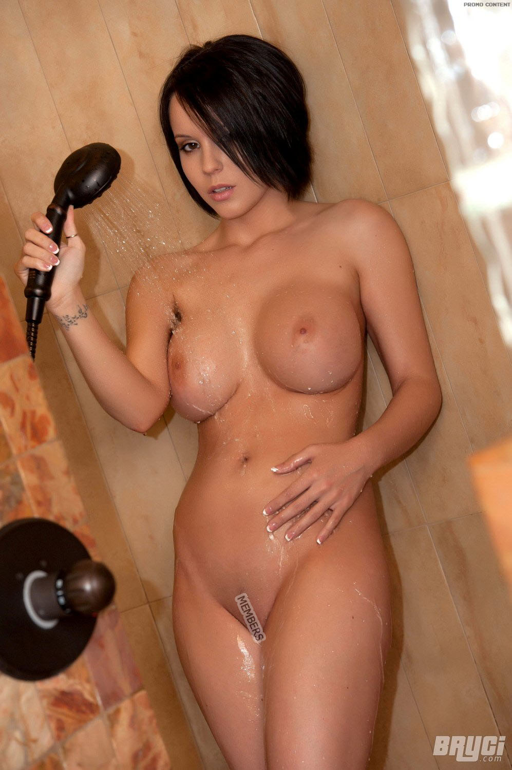 Shower in women the sexy nude