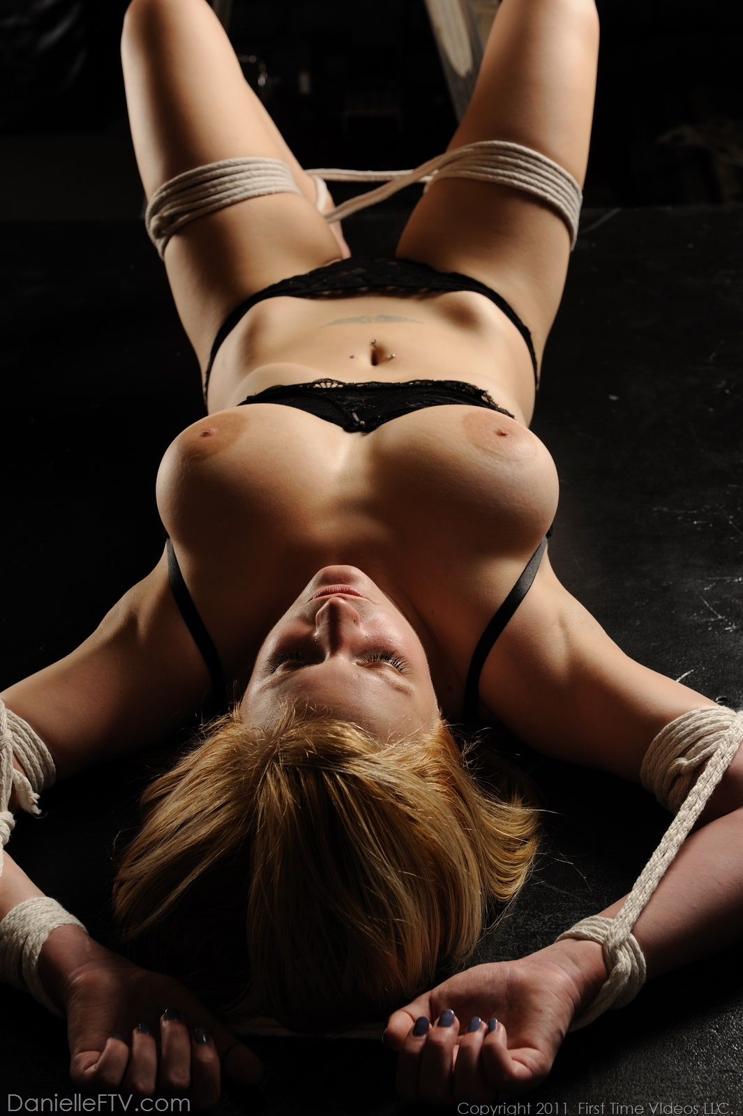 Lustful Fetish Bondage