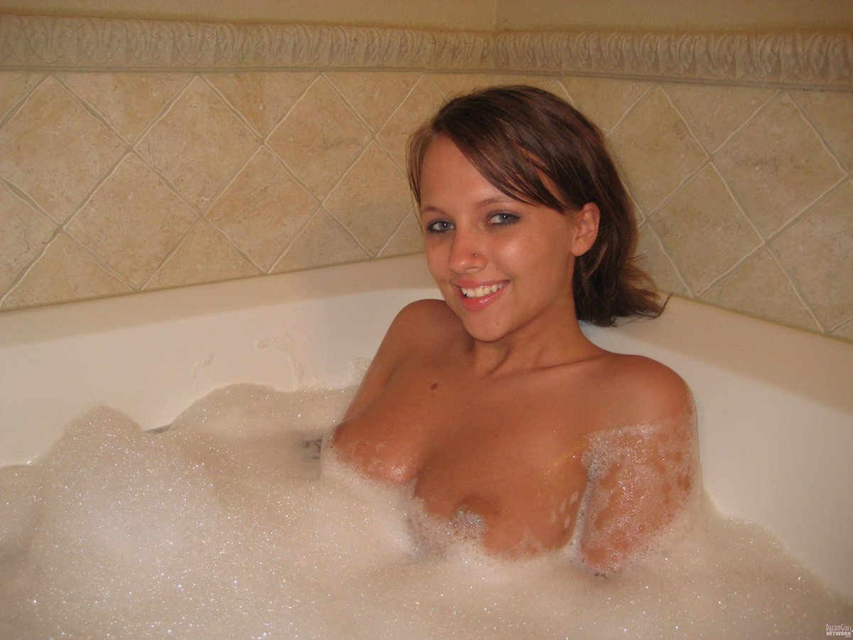 nude virgin having fun
