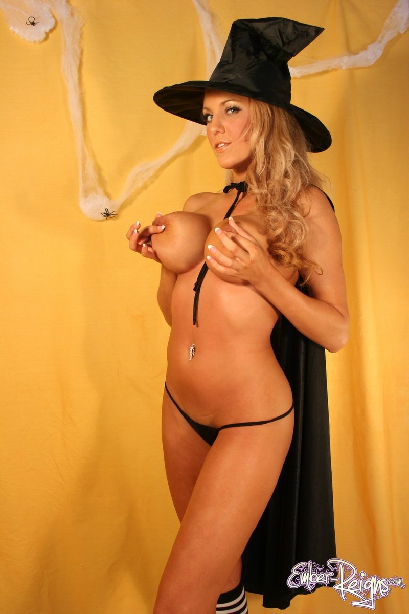 Ember Reigns Naked Witch