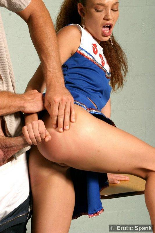 free-play-naked-cheerleader-spanking-girls-fucking-gif