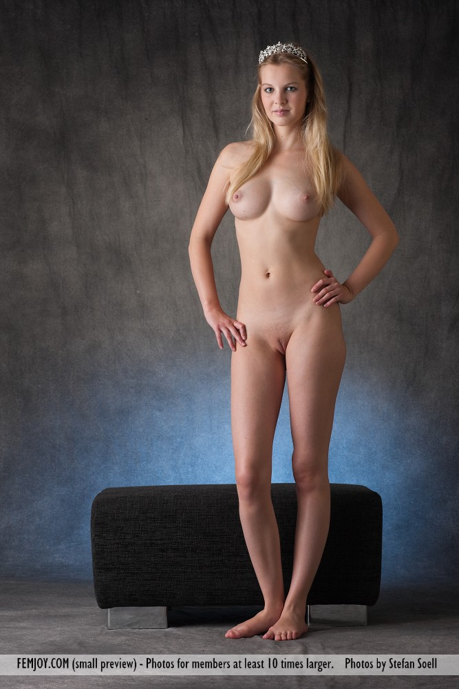Just nude little girl