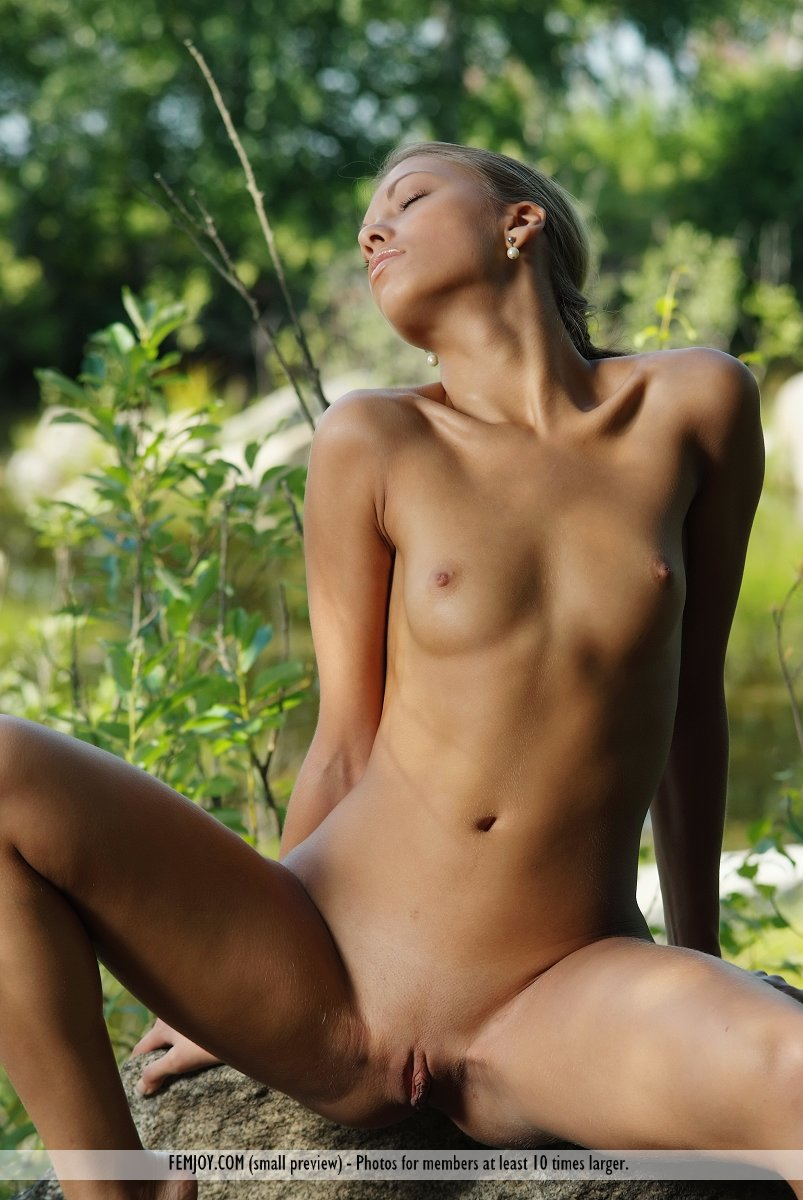 Nude Model Profiles