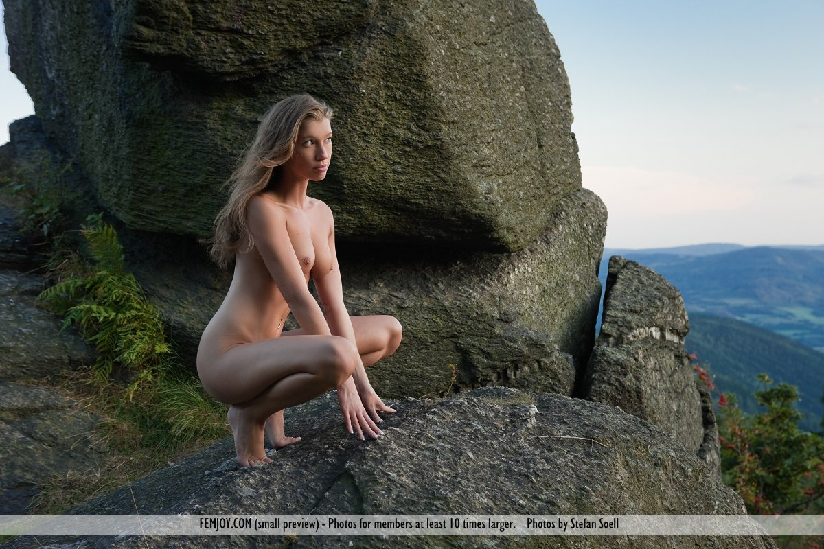 Rock climbing women nude