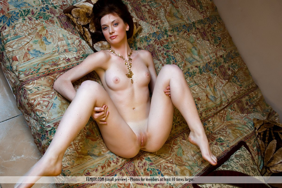 Amateur husband and wife posing nude