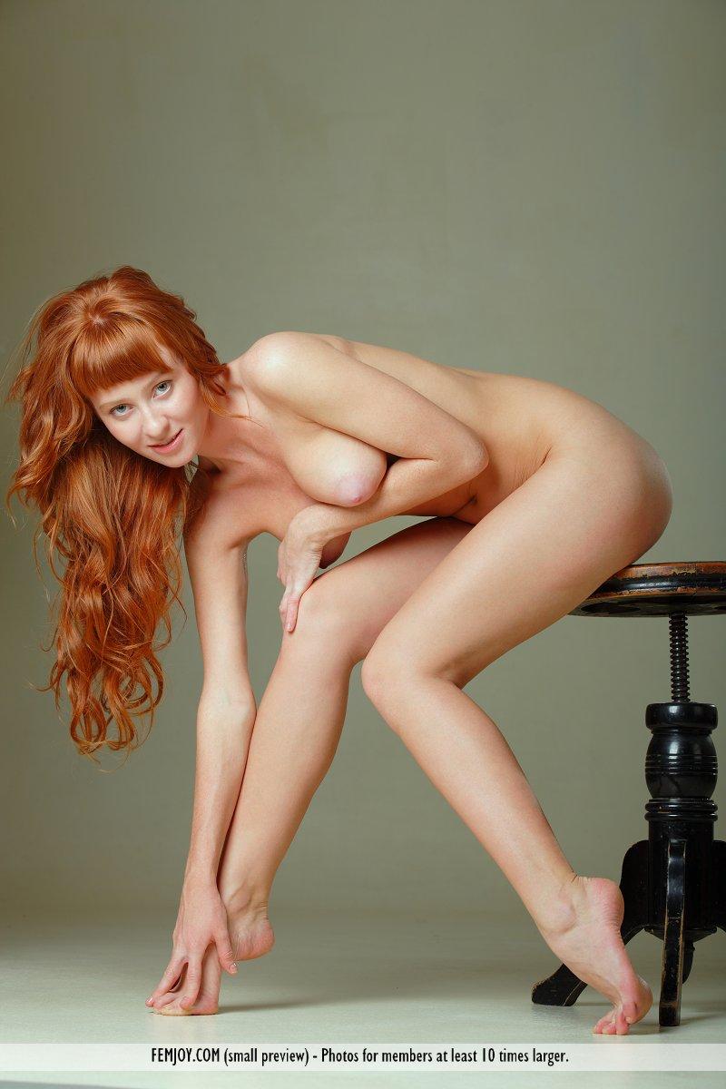 Amateur natural redhead