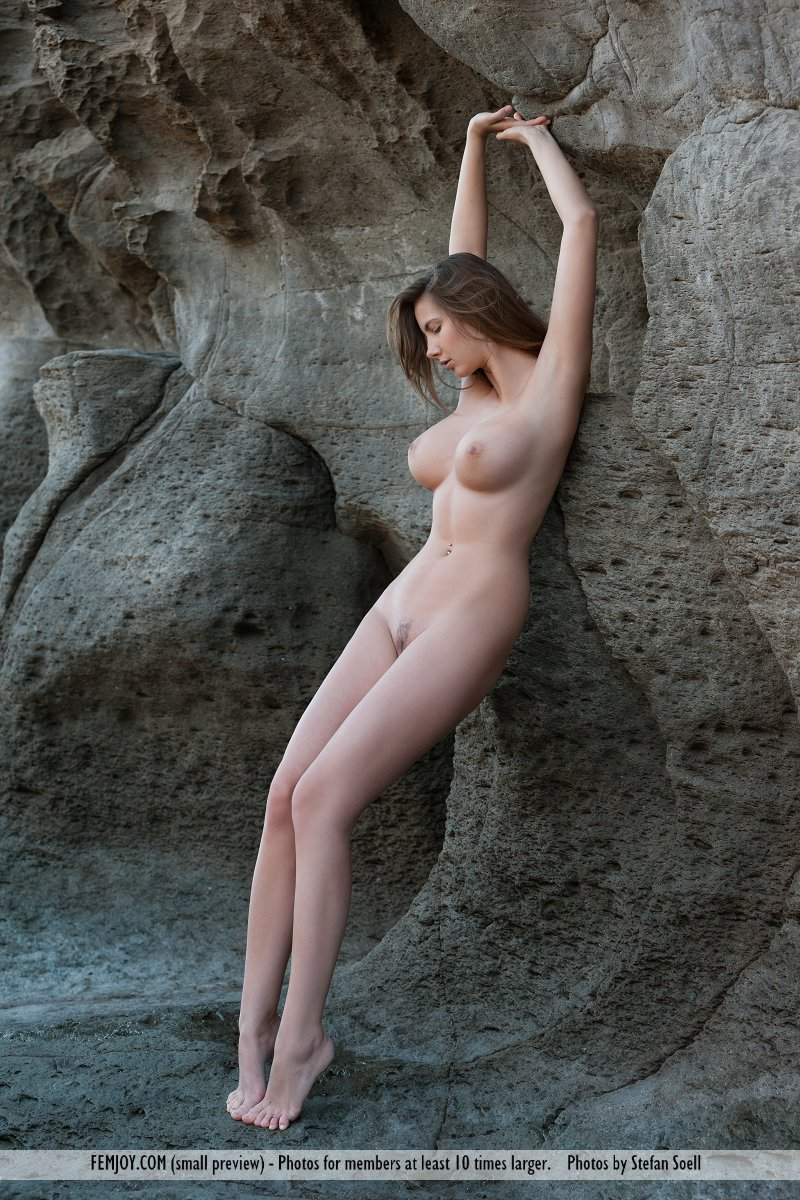 Naked Women In Caves 79