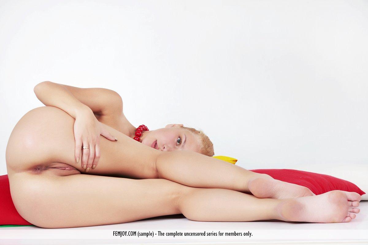 Femjoy Nude Coed Ass At Amateurinde