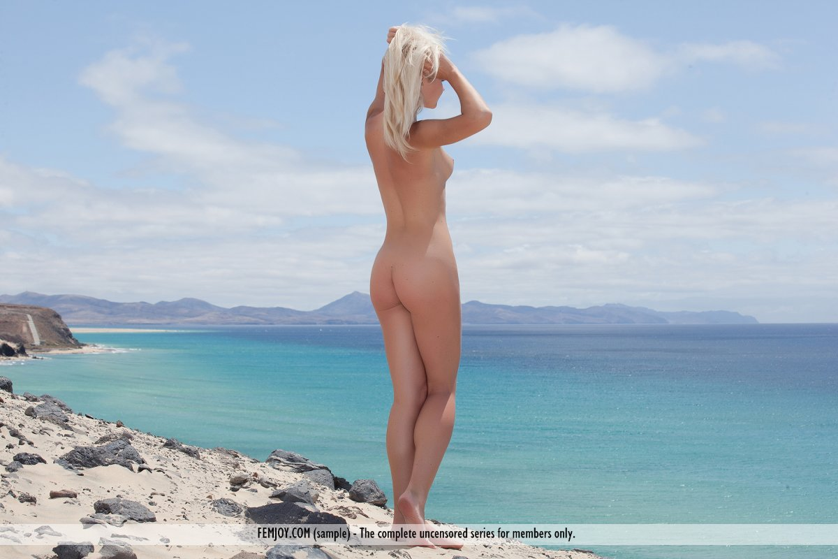 over thirty bikini blonde jlo