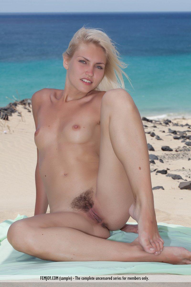 Tropical Nude