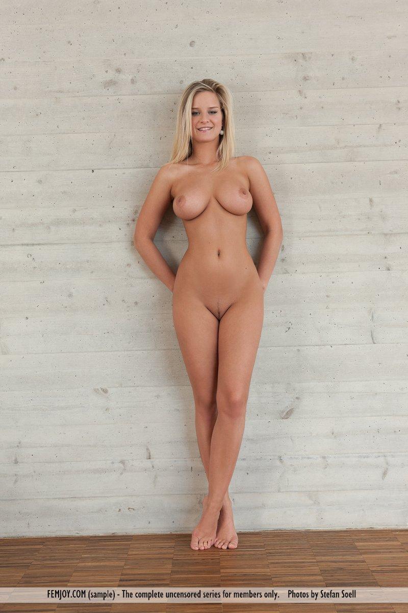 perfect female nude pose