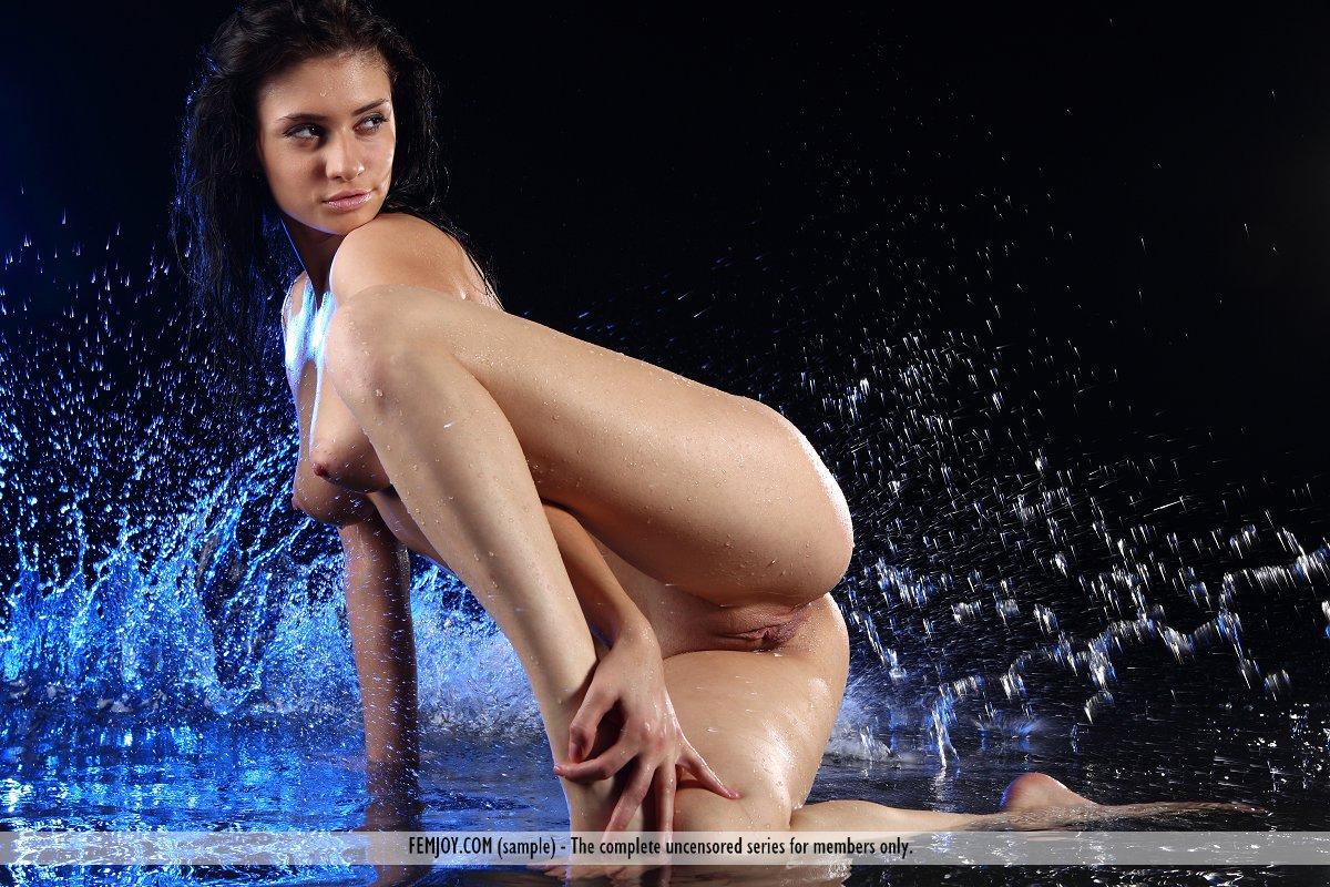 Wet coed pussy femjoy
