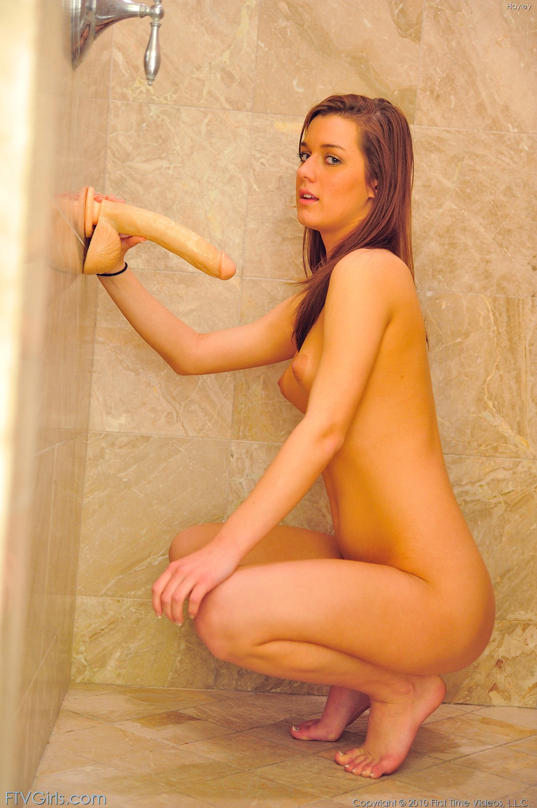 Amateur brunette babe fuck in the shower