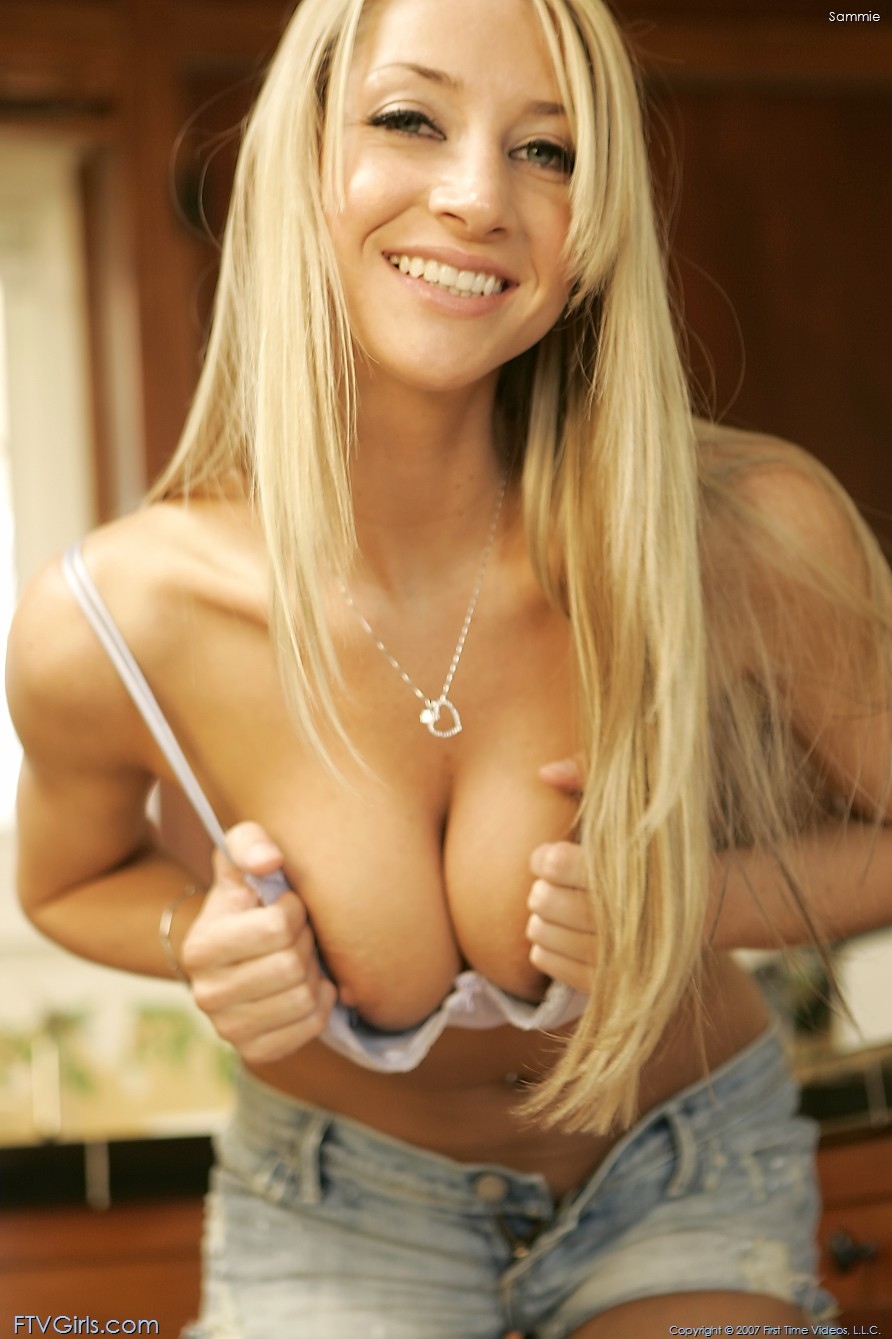 Blonde Amateur Strips