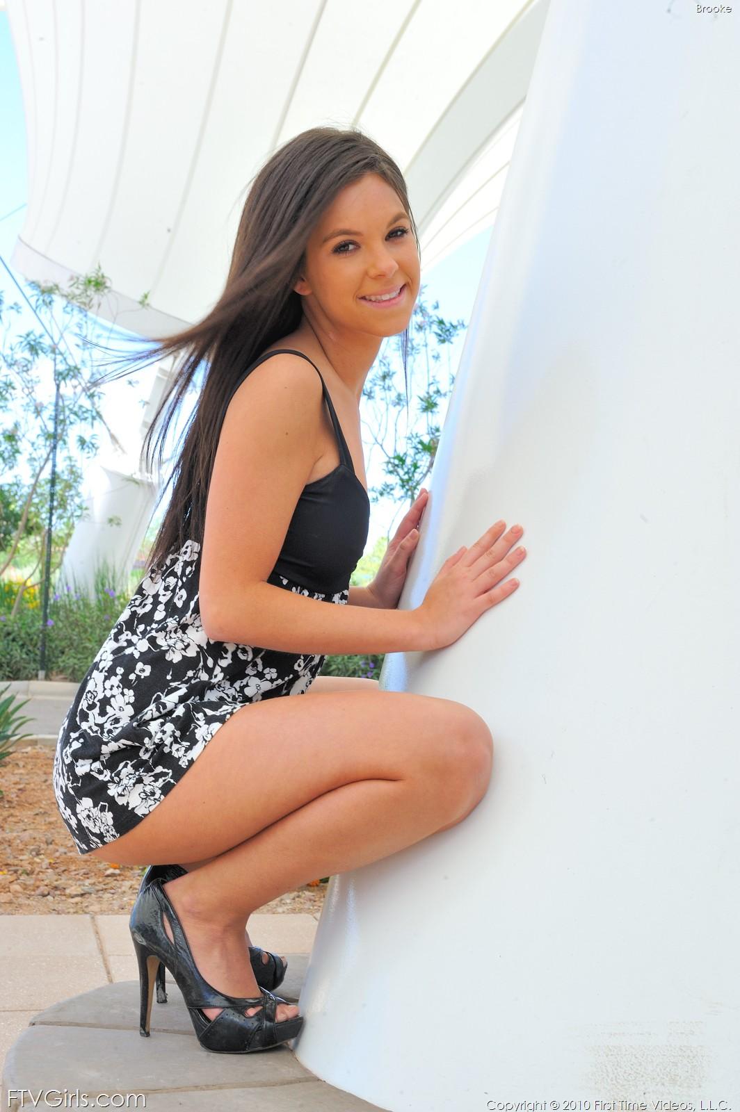 up shorts peek Girl