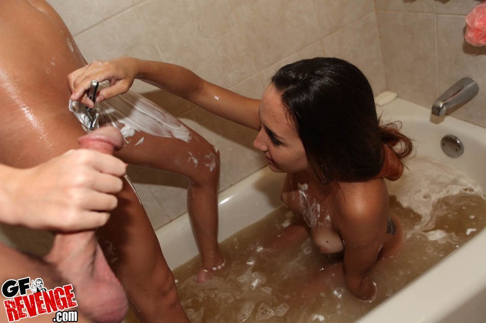 Bath tub threesome