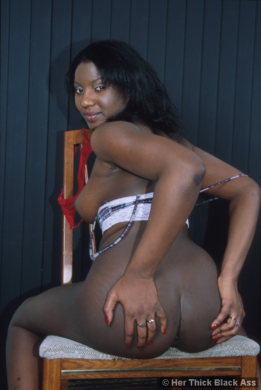 Black girl sucking balls