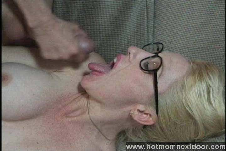 Amateur mom next door fucking two guys at once 3