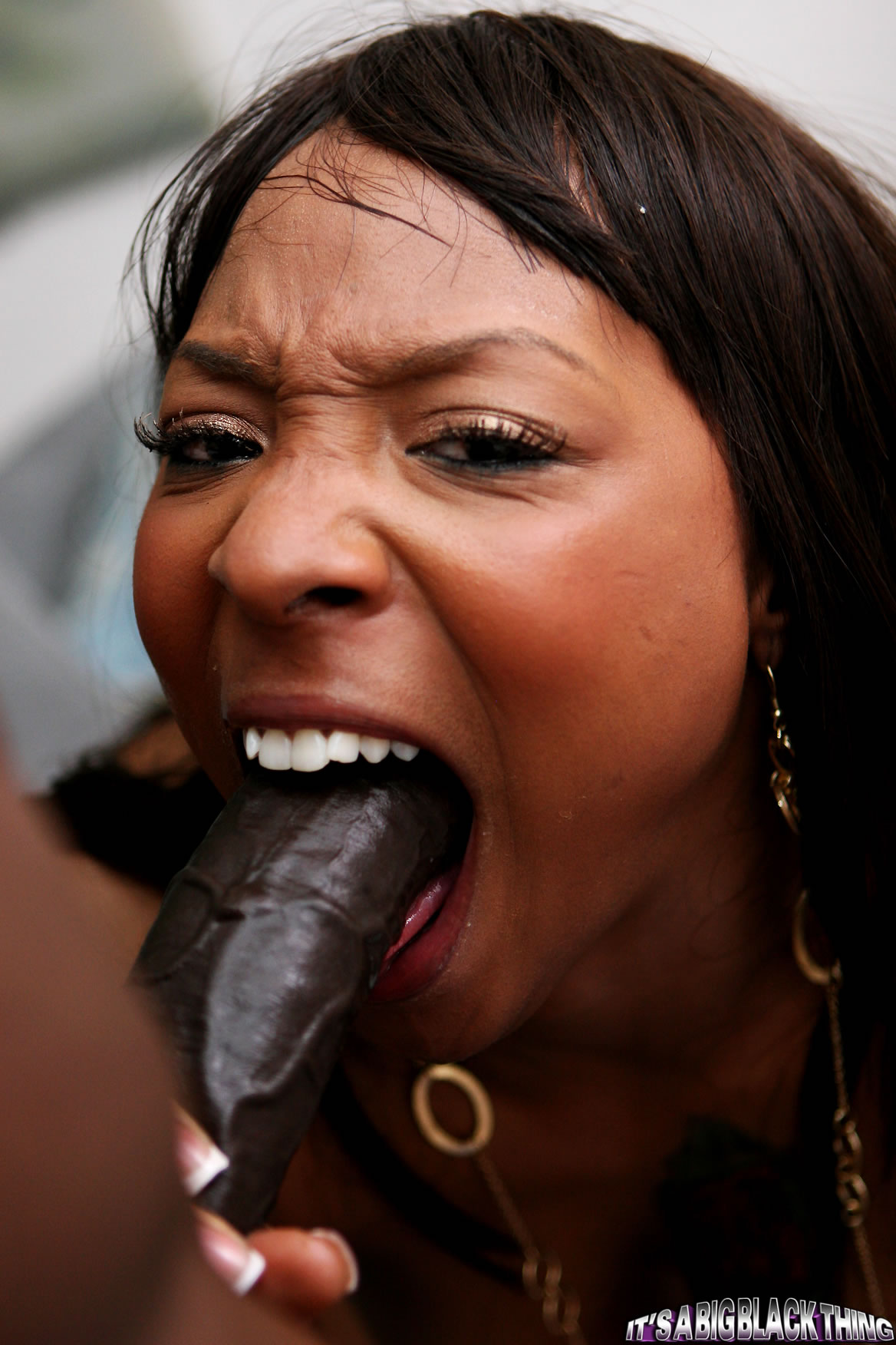 Black ebony deepthroat