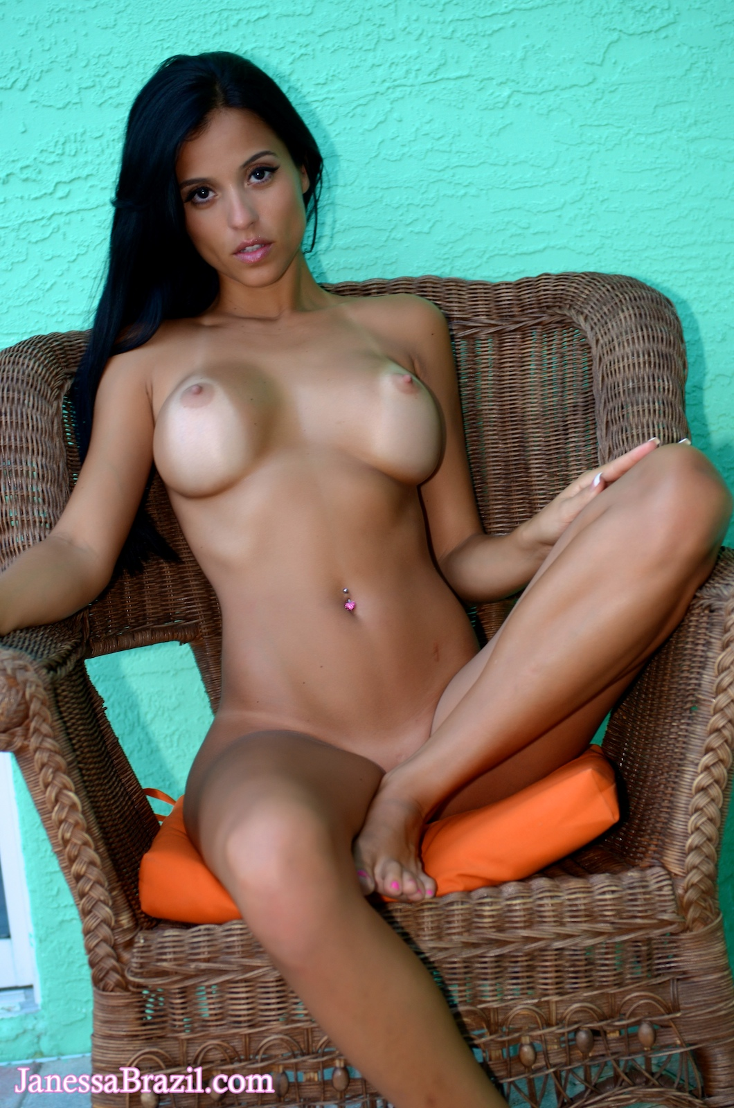 brazilian nude hot women