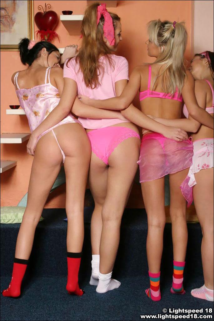 lightspeed 18   four hot babes at amateurindex
