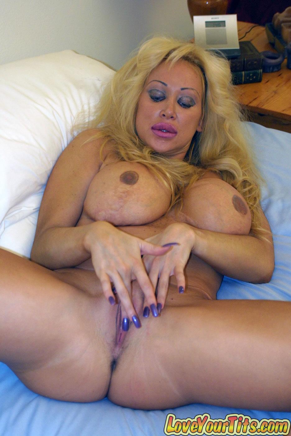 Порно силиконовая мама