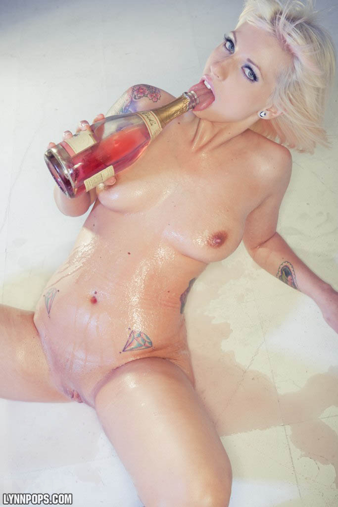 champagne in pussy