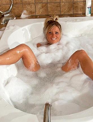 meet madden   meet madden naked bath at amateurindex