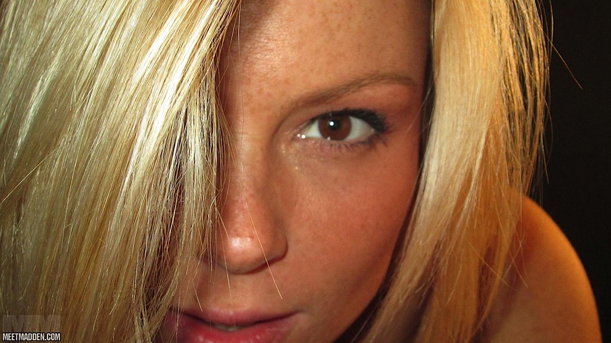 Naked Selfy
