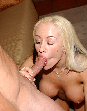 Milf Hunter - Blonde mature fuck at AmateurIndex.com