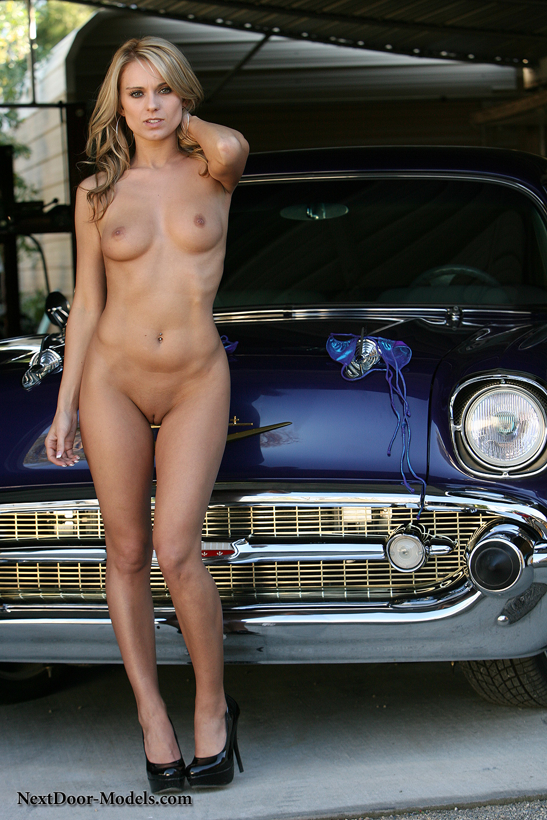 Netdoor Models Sey Bikini Posing