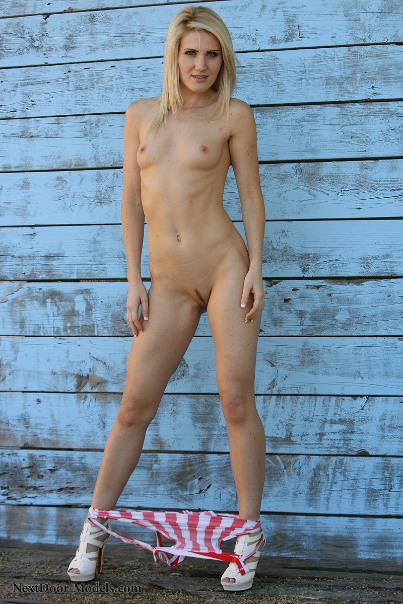 Skinny Blonde Teen Amateur