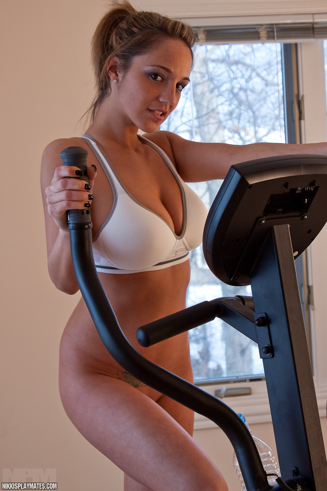 workout naked Nude woman