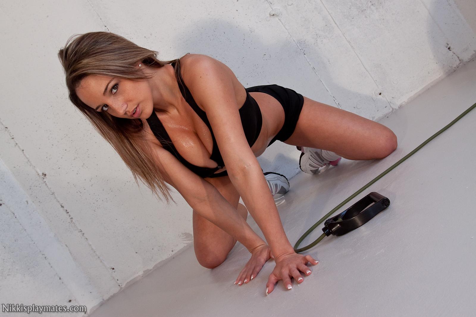 Nikki Sims Naked Workout At Amateurinde