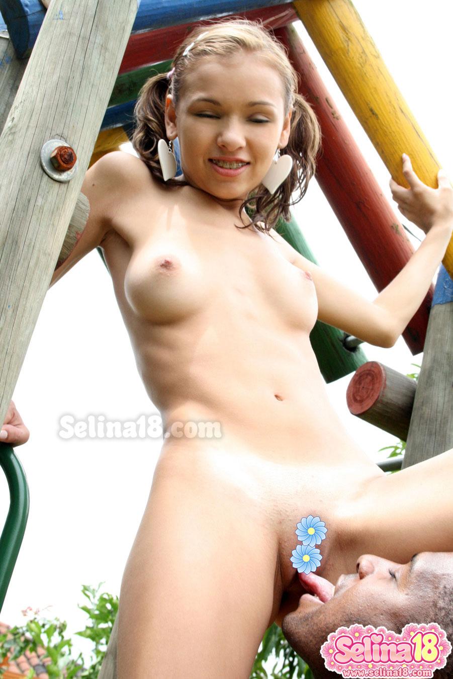 Hot single nude mom