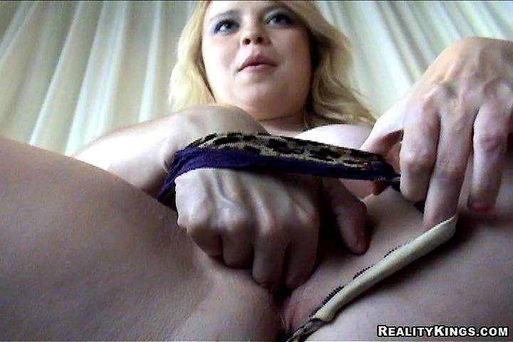 this indian loves sucking her husbands cock