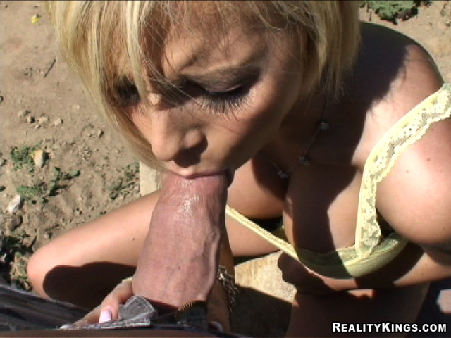 Blow jobs outdoors