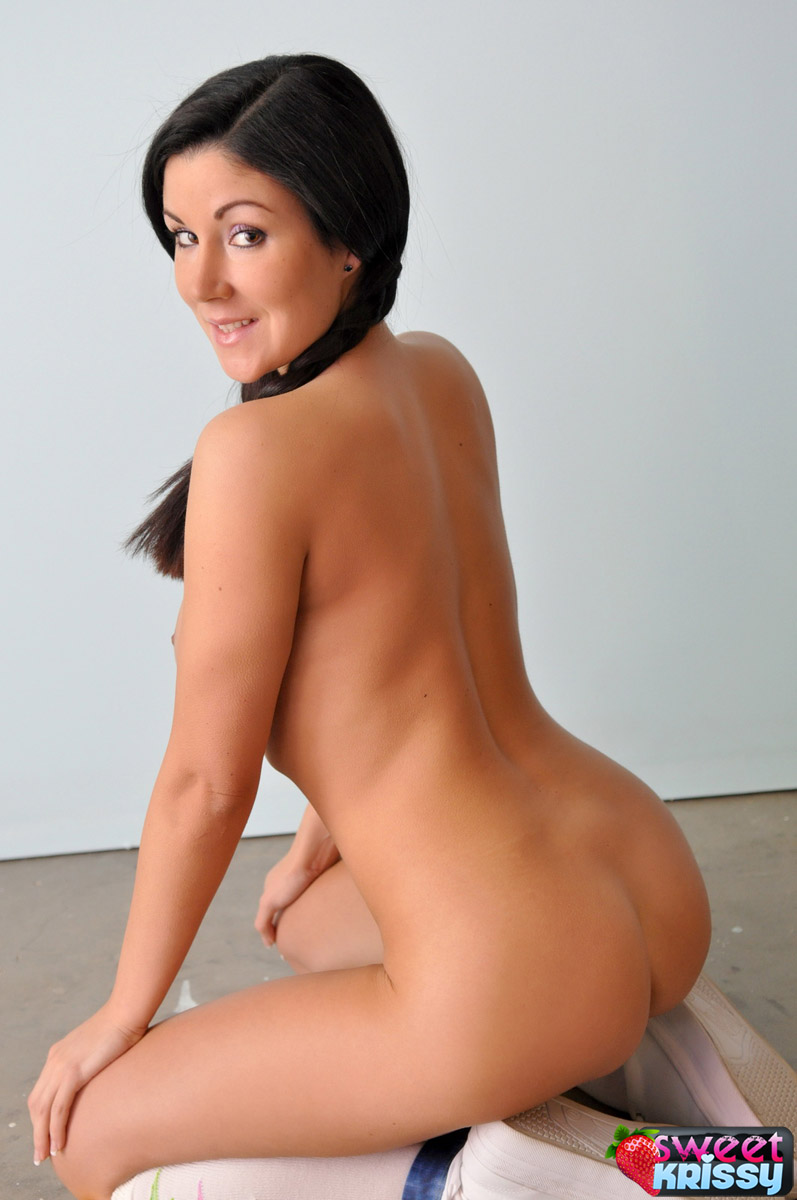 Sweet Krissy - Sweet Krissy Nude Show at AmateurIndex.com