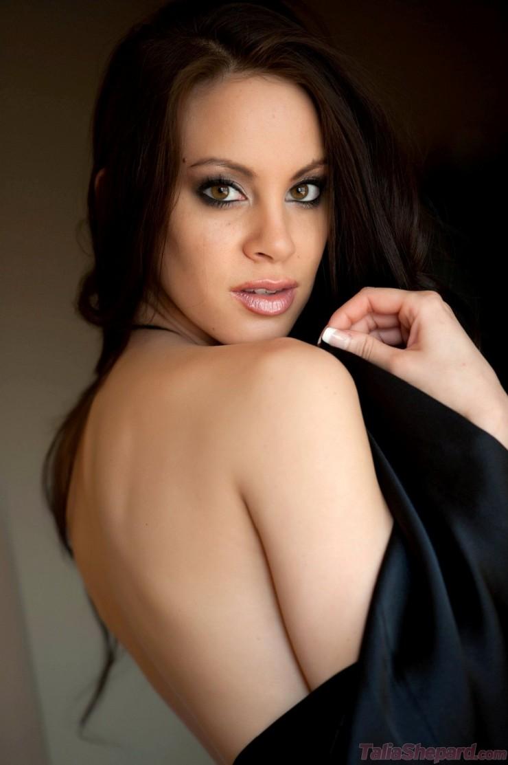 Talia Shepard - Talia Shepard Strips Nude at AmateurIndex.com