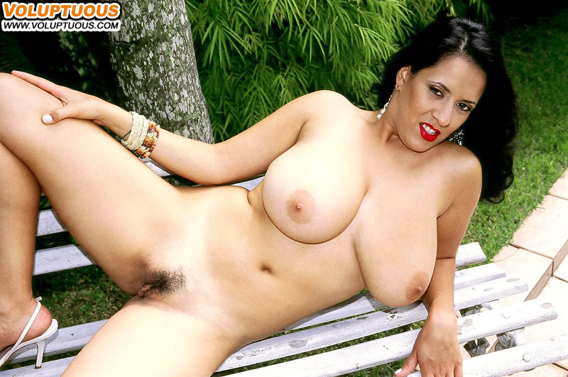 Voluptuous - BBW Latina nude outdoors at AmateurIndex.com